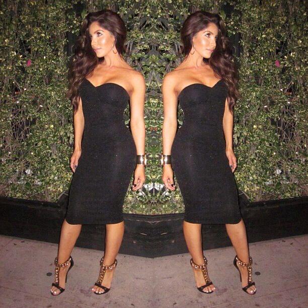 Luv Melissa Molinaro's dress.