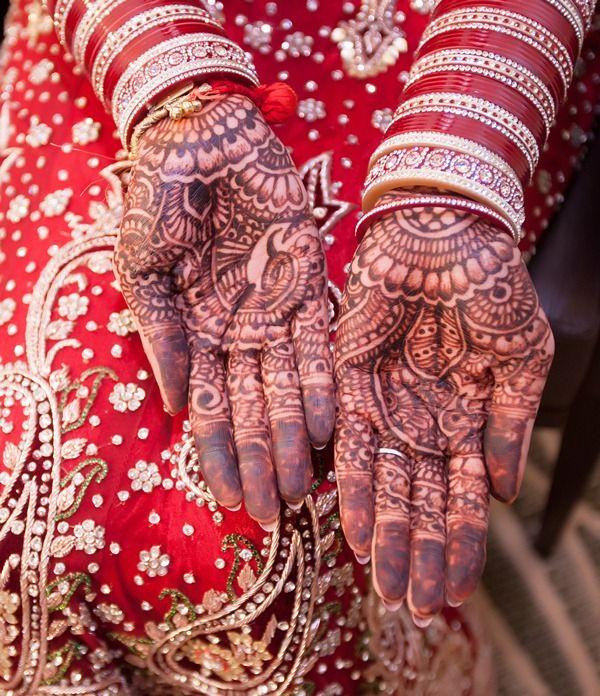 Indian Wedding | Wedding Lenghas | Indian Wedding Invitations - MaharaniWeddings.com