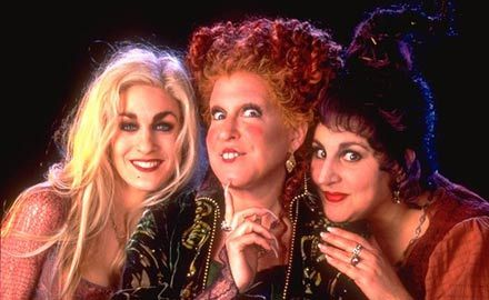 hocus pocus (1993) - Hands Down, best Halloween movie of all time.