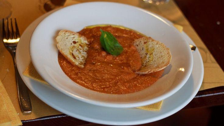 Pappa al pomodoro ricetta originale toscana. Foto e ricette toscane. Pomodoro