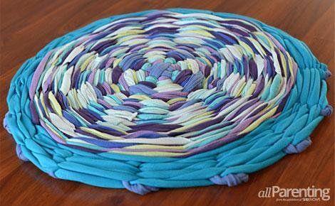 How To Make A Hula Hoop T-Shirt Rug | The WHOot
