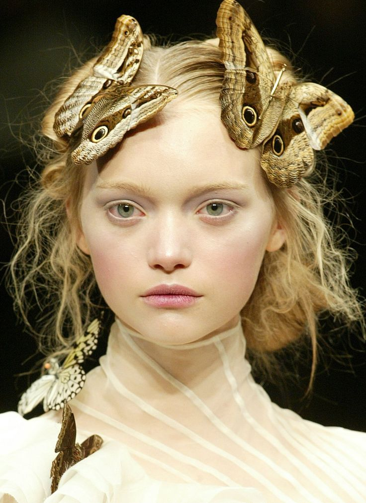 Gemma Ward at Alexander McQueen Fall/ Winter 2006