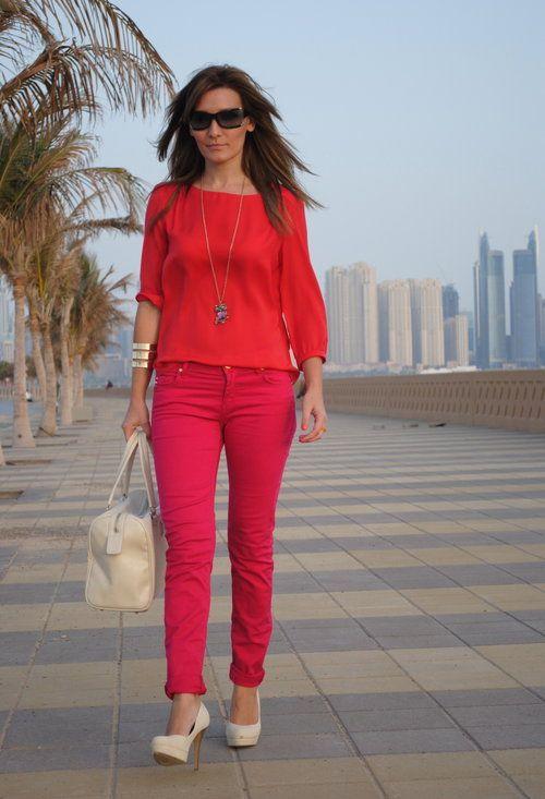 RedPink Womanity  , Blanco en Camisas / Blusas, River Island en Pantalones, Blanco en Tacones / Plataformas, Mango en Bolsos, H en Otras joyas / Bisutería, Vogue en Gafas / Gafas de sol