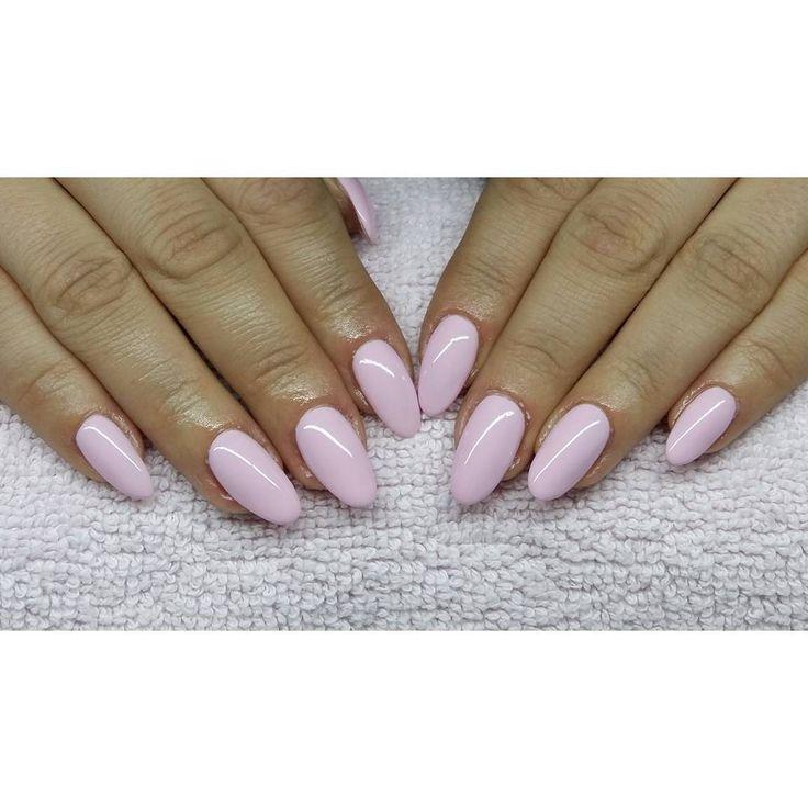 """Pink smile Semilac :) #nails #hybryda #manicurehybrydowy #mani…"