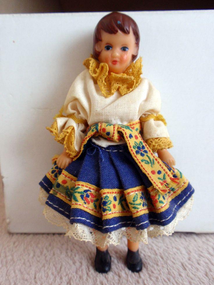 Bábika v kroji