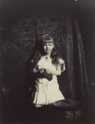 Alfred and Marie's daughter, Princess Marie of Edinburgh, future Queen of Romania