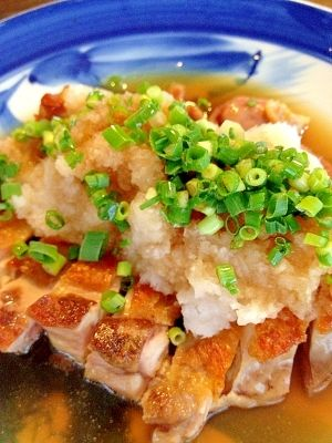 楽天が運営する楽天レシピ。ユーザーさんが投稿した「カリカリ☆もも焼きおろしポン酢」のレシピページです。サッパリたくさんいただけます。鶏もも焼のポン酢がけ。鶏もも肉,大根,青ネギ小口切り,ポン酢