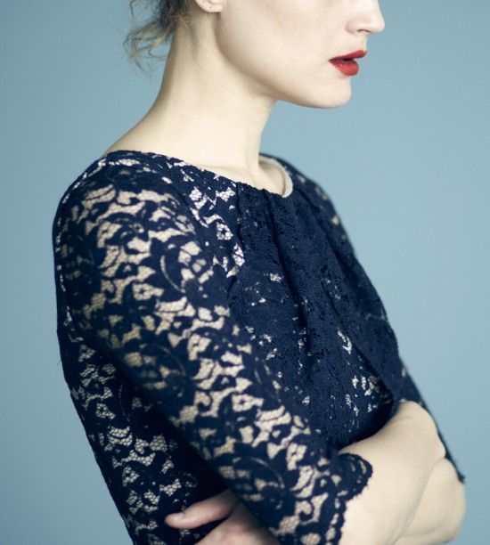 Red lips and lace. Erdem Resort 2012.