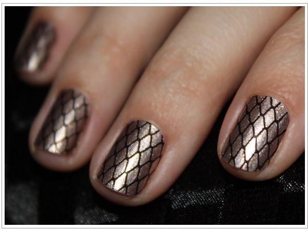 Textured manicure-mondays: Hansen Salons, Nails Art, Nailart, Nails Design, Style, Sally Hansen, Black Nails, Nails Polish, Fishnet Nails