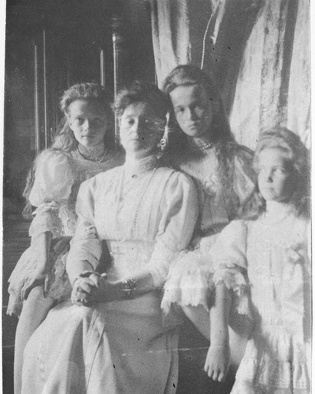 Empress Alexandra Feodorovna with her three eldest daughters, 1908 #russian #grandduchesses #tatiana #olga #and #maria #romanov #with #their #mother #the #empress #beautiful #girls #russianbeauty #gorgeous #picture #of #them #in #1908 #imperial #russia #history #russianroyalty