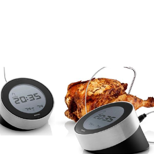 Bereid je vlees of vis op de perfecte manier met de Eva Solo Cook 'N Time Thermometer. Deze 3-in-1 keukentool heeft een digitale kookthermometer, een klok en een timer.