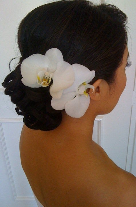 orchid in hair #bridalhair #accessories #weddinghair