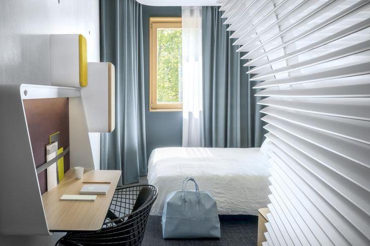 Situé à Grenoble, l'établissement design Okko Hotels Grenoble Jardin Hoche propose un sauna, une salle de sport, une terrasse avec vue sur le jardin Hoche,...