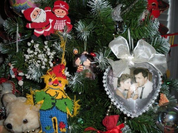 Decoupage photo ornament.: Done Pre Pinterest, Photo Ornaments, Christmas Idea, Decoupage Photo, Christmas Ornaments