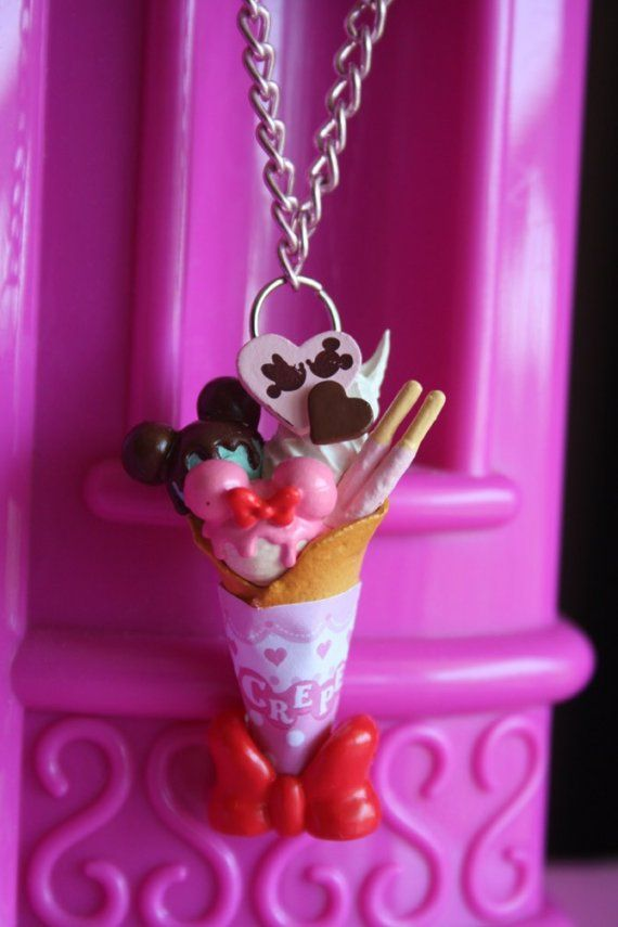 Mickey & Minnie Crepes necklace