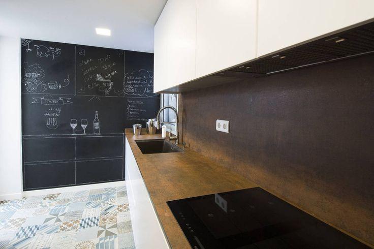 la lavagna è di moda più che mai tra le pareti domestiche..specie in cucina! https://www.homify.it/librodelleidee/61576/metti-una-lavagna-in-cucina-e-reinventa-il-tuo-spazio