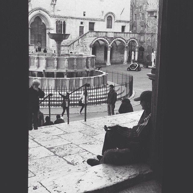 Fontana Maggiore dalla cattedrale di San Lorenzo #perugia2019 foto di @alessandrabacci