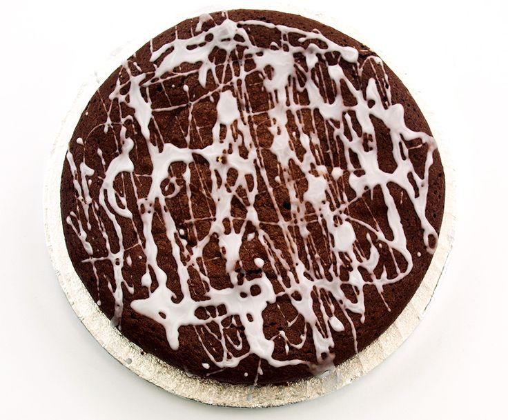 World's Best Flourless Chocolate Cake Recipe on http://www.realepicurean.com
