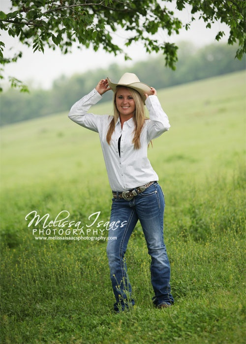 My kind of senior picture! Except... it's missing the horse. I'd have to have horses. :)