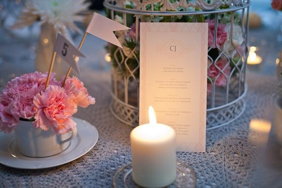 arranjo de mesa romântico