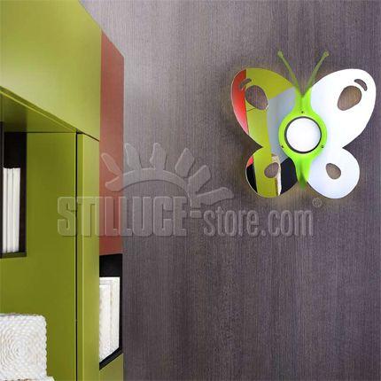 Toffolights Papillon lampada da soffitto o parete. Diffusore in metacrilato specchiato, metacrilato colorato e metallo cromato. Disponibile nelle seguenti combinazioni di colore: arancio/specchiato (C9/C4), verde/specchiato (C9/C5), fucsia/specchiato (C9/C6), blu/specchiato (C9/C7).