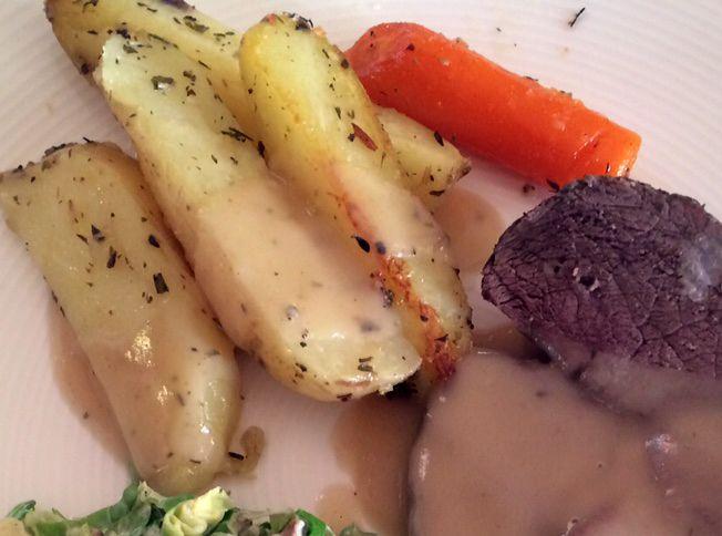 Ovnsbakte poteter med hvitløk