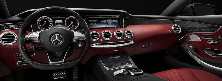The impressive dashboard of the S-Class Coupé with its spectacular architecture creates a unique character in the upper coupé segment.