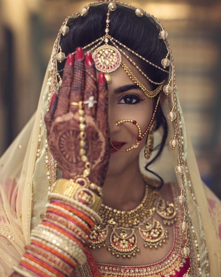 "17.4k Likes, 43 Comments - Indian Wedding Buzz (@indianweddingbuzz) on Instagram: ""Enchanting bride that smiles with her eyes #makeup: @blendandbeautiful…"""