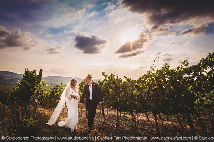 Tuscan Wedding Photographer Gabriele Fani. Reportage wedding into vineyard at Villa Nozzole, Chianti - Tuscany.