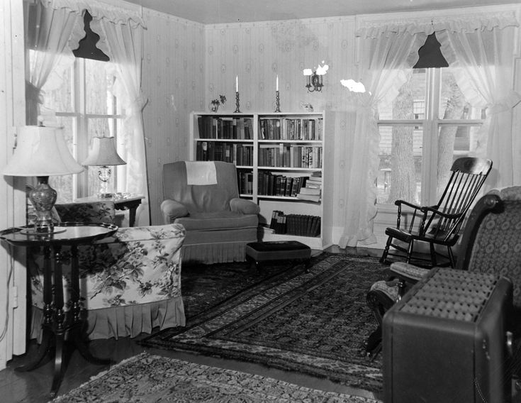 Old Living Room 1940 1940s living room photos | the singing brook inn: the beginning
