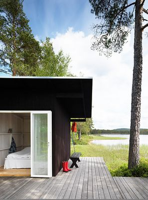 I wish I had more pictures of this summer house in Dalnarna, Sweden, it is so beautiful. The house is designed by architect Maria Masgård, as a gift for her father. What a lucky guy!