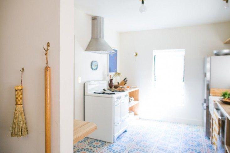Beatrice-Valenzuela-Ramsey-Condor-Echo-Park-House-tiled-kitchen-Remodelista-10