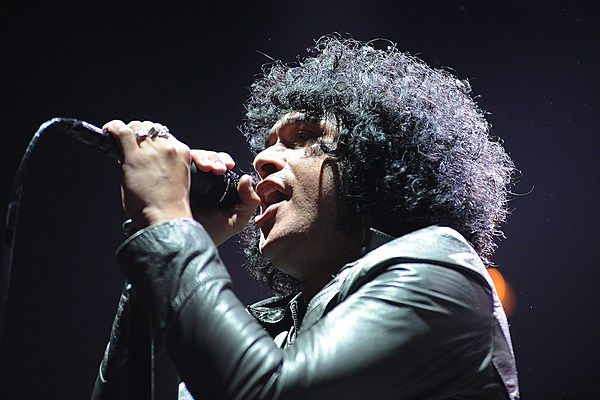 The Mars Volta Still 'A Thing'  ||  Plus news on the Reading + Leeds festival lineups, Descendents' 2018 touring, Tesla's album and tour plans and more in Wire-to-Wire. http://loudwire.com/the-mars-volta-still-a-thing-reading-leeds-festivals-descendents-more/?utm_campaign=crowdfire&utm_content=crowdfire&utm_medium=social&utm_source=pinterest