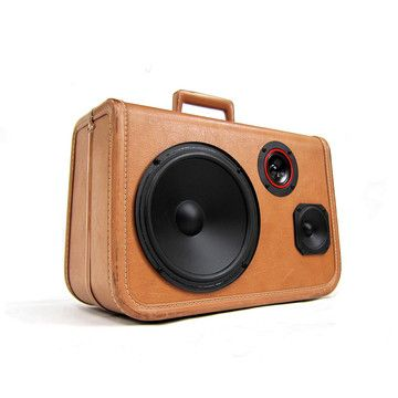 Recycled suitcase = boom case.  Very cool.Recycle Suitcas, Boomca 775, Boomca Stereo, Boomca Suitcas, Suitcas Speakers, Suitcases Boomcase, Suitcas Boomca, Boomcase Suitcases, Stereo Suitcases