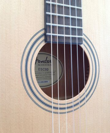 Product review. Fender ESC80 sound hole. Great little student guitar for children aged between 7-10 years.