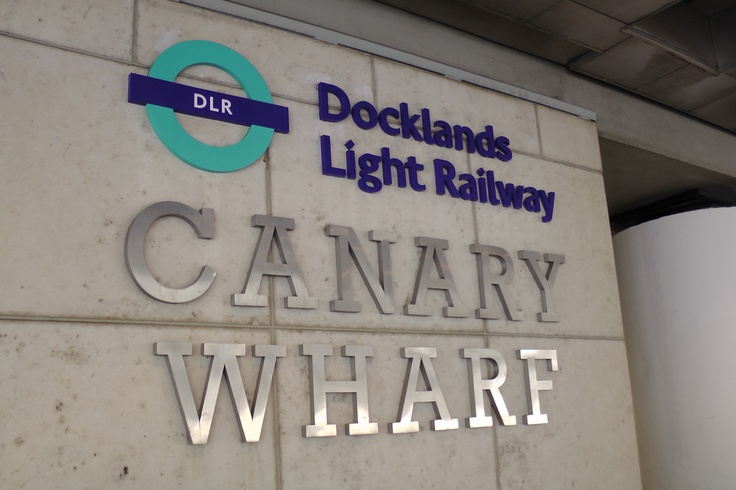 www.girlbanker.com, Docklands Light Railway in Canary Wharf