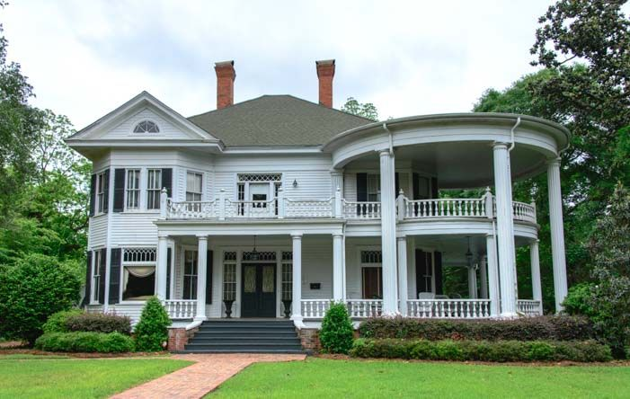 Antebellum mansion in Thomasville Georgia