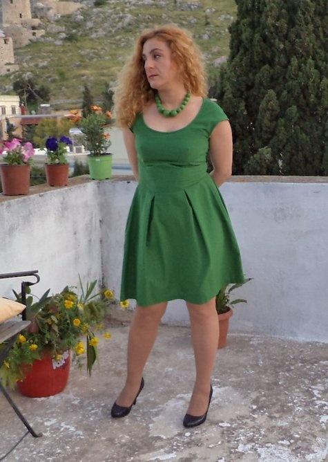 green dress with tulip skirt and cap sleeves (patterns: bodice burda 2-2011-101 and  skirt burda 11-2007-125)