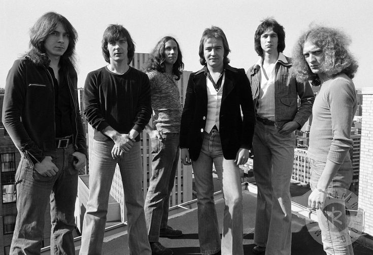 "Foreigner - One of the Most Successful All-Time Arena"" Rock Groups""  http://mentalitch.com/foreigner-one-of-the-most-successful-all-time-arena-rock-groups/"
