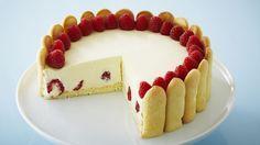 Gâteau élégant au citron et aux framboises