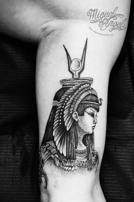 17 Best images about Tats on Pinterest | Crown tattoos ...