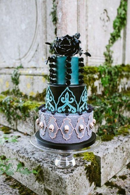 Divertida tarta de boda gótica