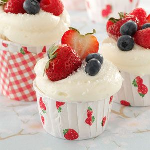Berry-Topped White Cupcakes...cream cheese frosting