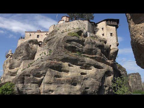 Un breve video tra i meravigliosi monasteri sospesi alle meteore, in Grecia | Stile Arte