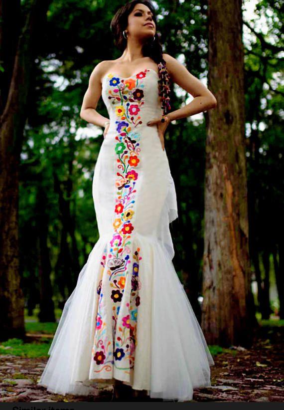 Custom-Made Mexican Wedding Dress. Embroidered Dres for social occasion. Vestido Mexicano. Custom-made. Mexikanische bestickte Kleid