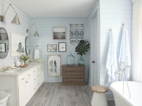 HGTV Dream Home 2017: Master Bathroom Pictures >> http://www.hgtv.com/design/hgtv-dream-home/2017/master-bathroom-pictures-from-hgtv-dream-home-2017-pictures?soc=pinterest
