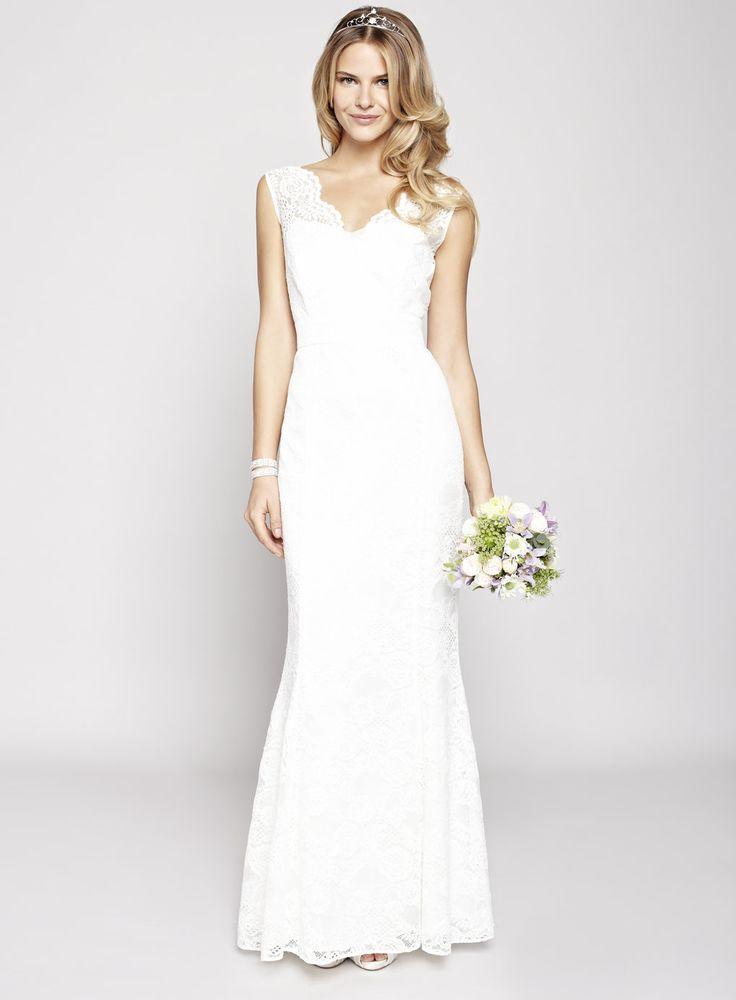 Fancy Women us suit in white for the registry office wedding day