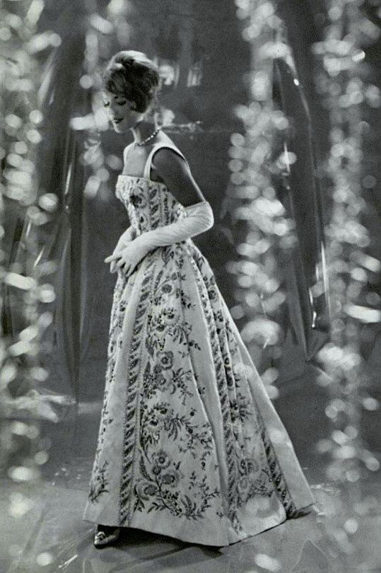 Pierre Balmain, 1959