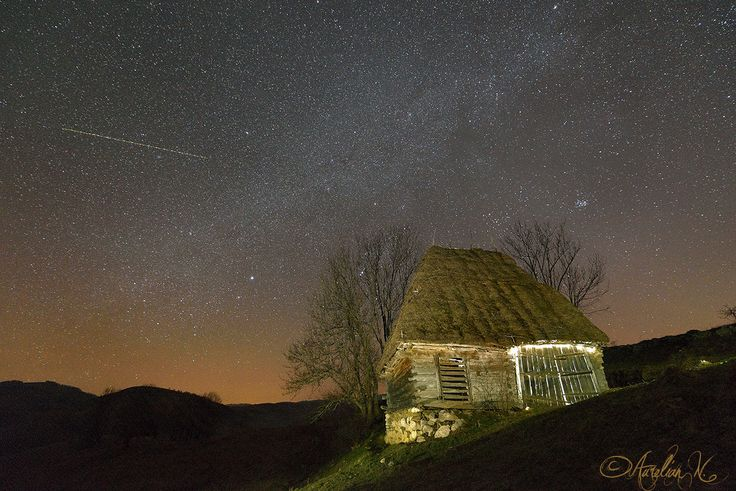 An old barn and the galaxy by Aurelian Nedelcu on 500px