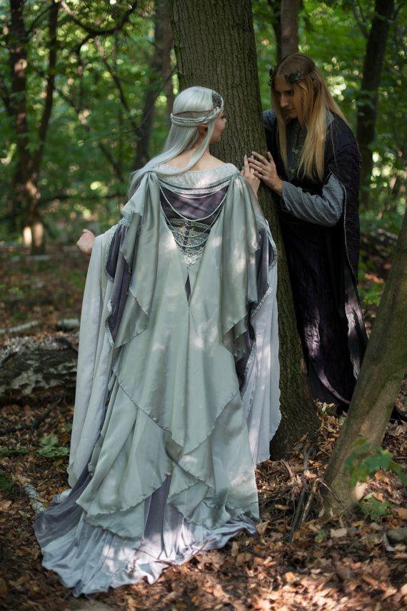 Vestido de elfo gris de plata.  Hecho a la medida